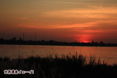 メコン川夕陽