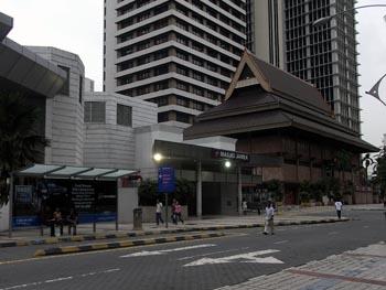 マスジット・ジャメ駅