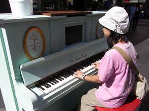 クイーン・ビクトリア・ビルディング ピアノ