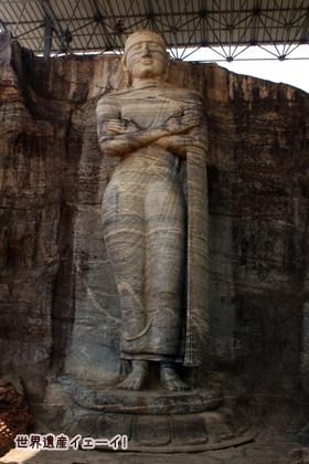 ガル・ヴィハーラ 立像