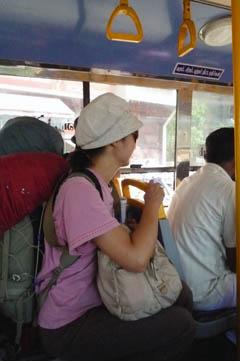 マドゥライでバスに乗る1号