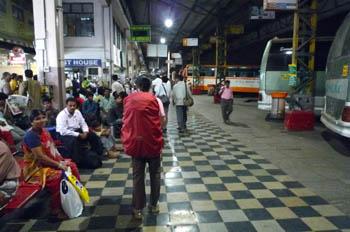 バンガロール(ベンガルール)バスターミナル