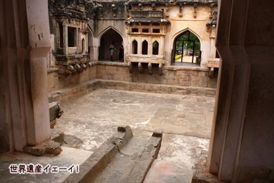 王妃の浴場