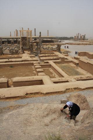 アルタクセルクセス2世王墓へ