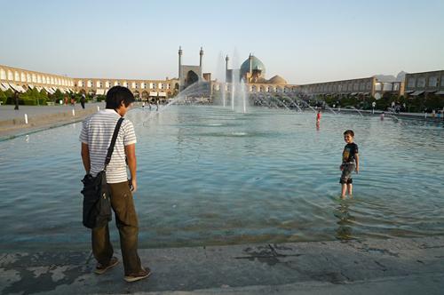 イマーム広場池