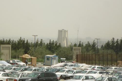テヘラン アーザーディー・タワー