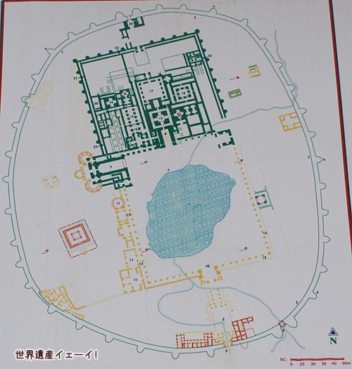 タハテ・スレマーン看板地図