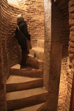 オルジェイトゥ廟階段