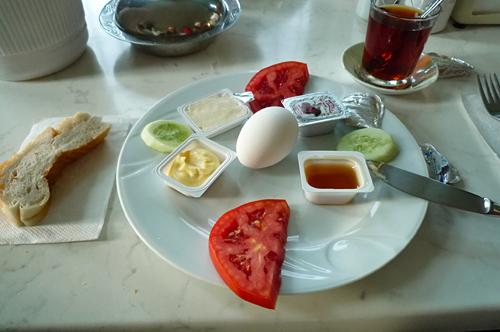 ギュネシ・ホテル朝食