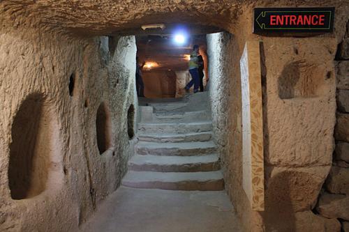 ウチヒサル城塞内部