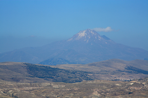 ウチヒサル城塞頂上景色