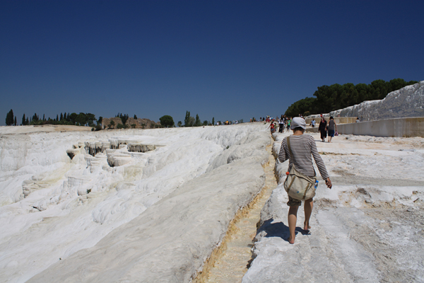 石灰棚の歩道