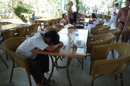 APOLO Caféで休憩