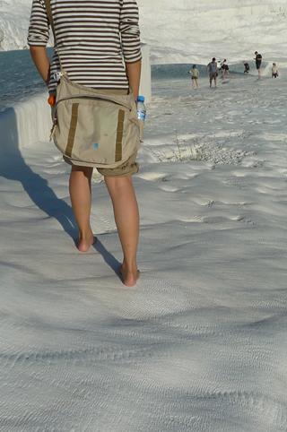石灰棚の足元