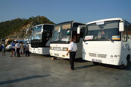 マルマリス市内へのシャトルバス