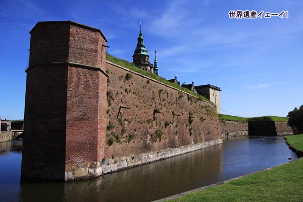 クロンボー城のお堀