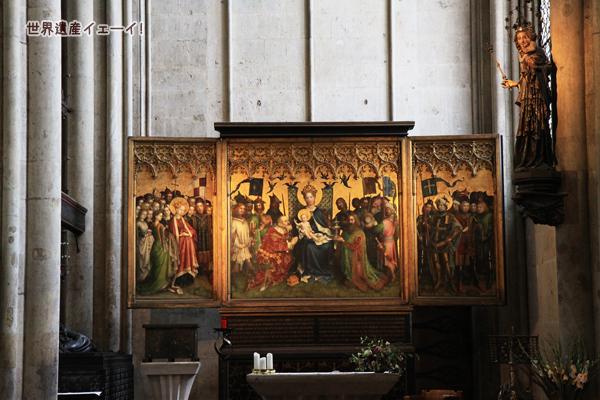 ミラノのマドンナ像と市の守護聖人たちの祭壇画