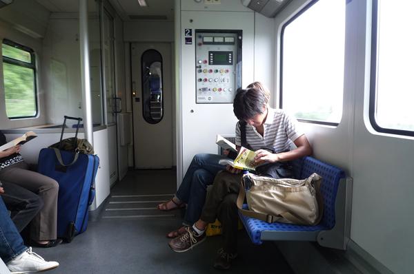 電車でケルンからブリュールへ