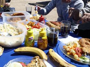 ウユニ塩湖ツアー昼食