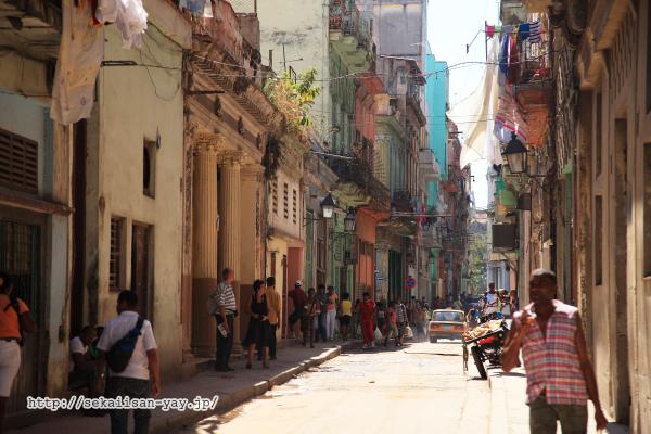 オールド・ハバナの街角風景